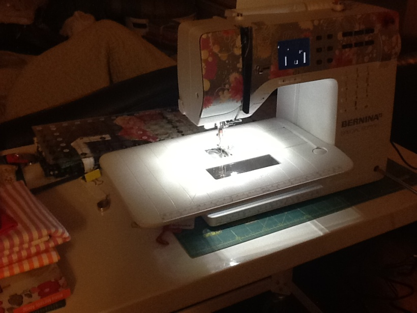 The machine also comes with a extension table and very bright lights.